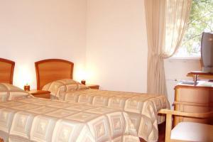 room7_1.jpg