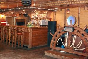 Морской бар