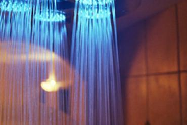 Душ с подсветкой, Светотерапия