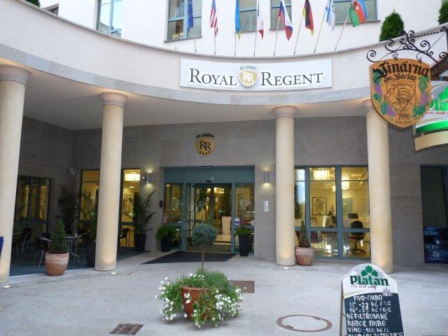 Royal Regent 4