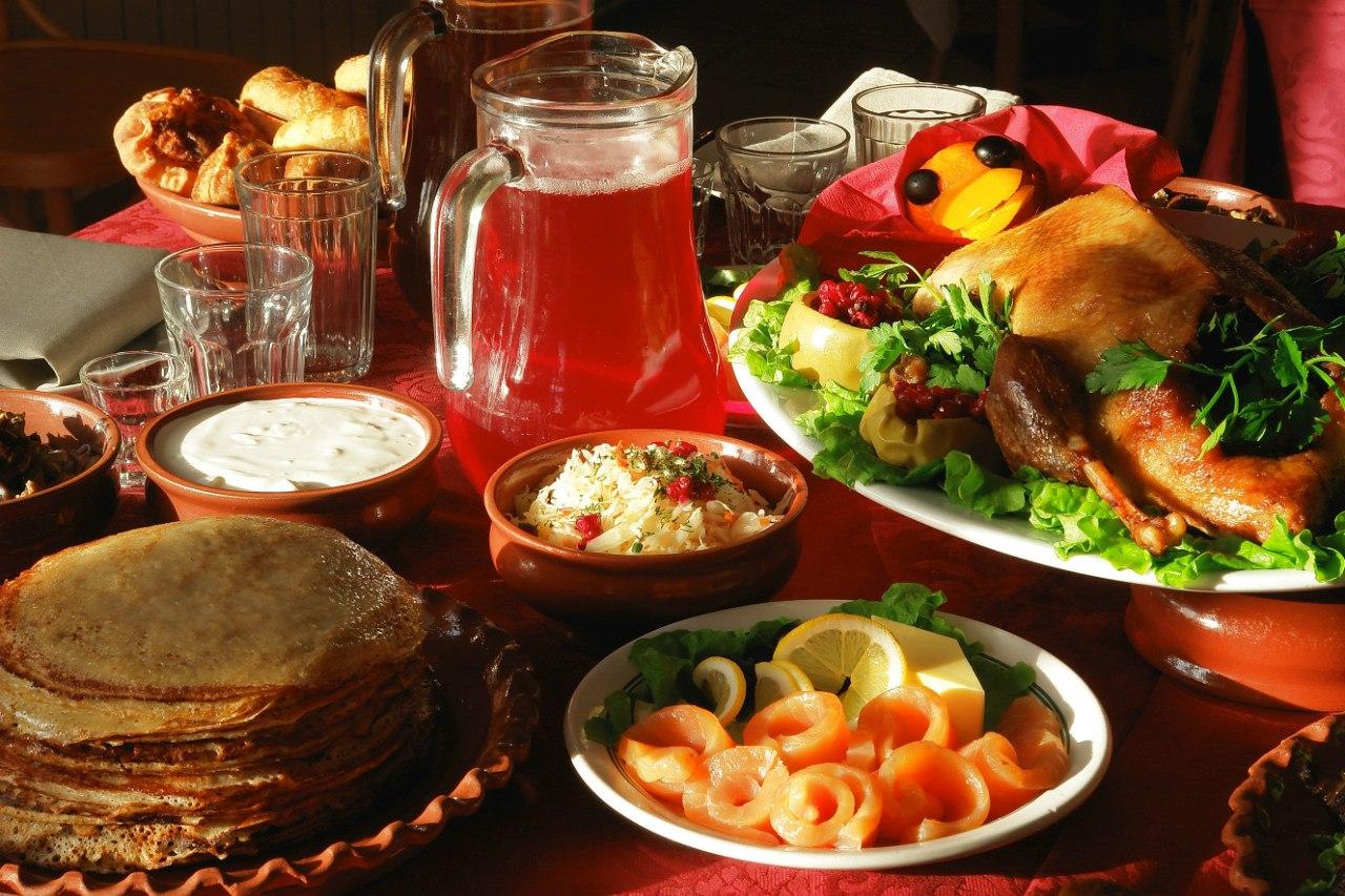 инструмент свободное фото русский стол блюда для иностранцев коробка